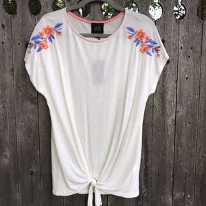 W5 Women's Top With Embroidery
